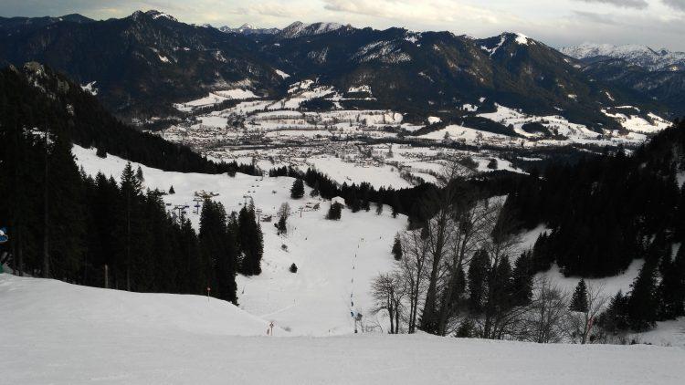 Brauneck/Lenggries: Leere Pisten am Saisonbeginn (Ahornabfahrt). Foto: Rainer Krause