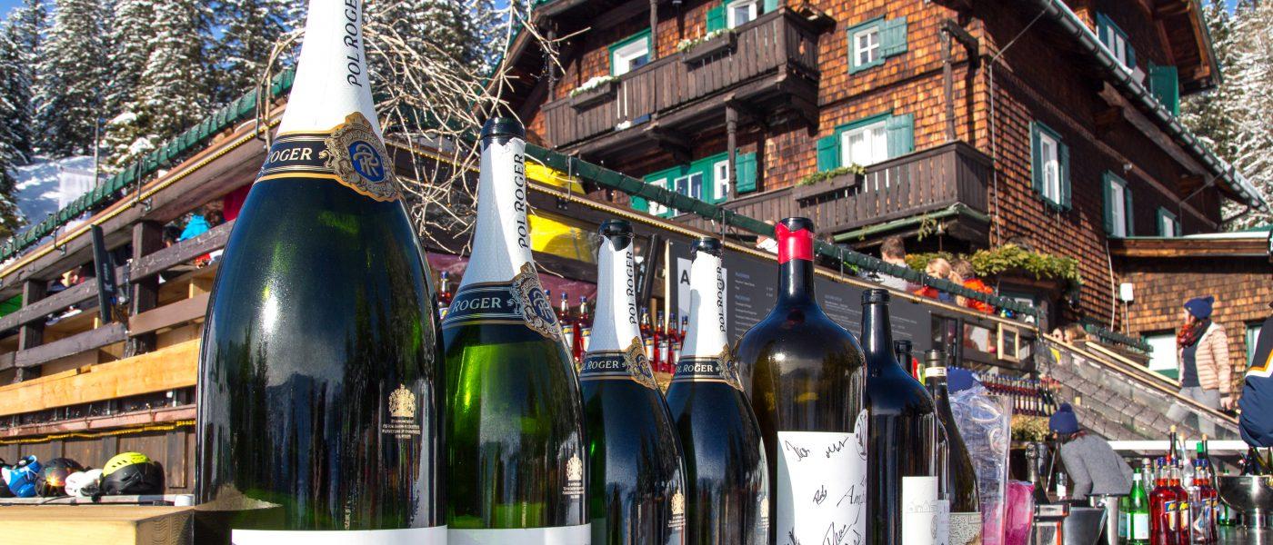 Champagnerflaschen, Bergrestaurant Sonnbühel, Kitzbühel, älteste Skihütte der Welt. Foto: Hans-Werner Rodrian