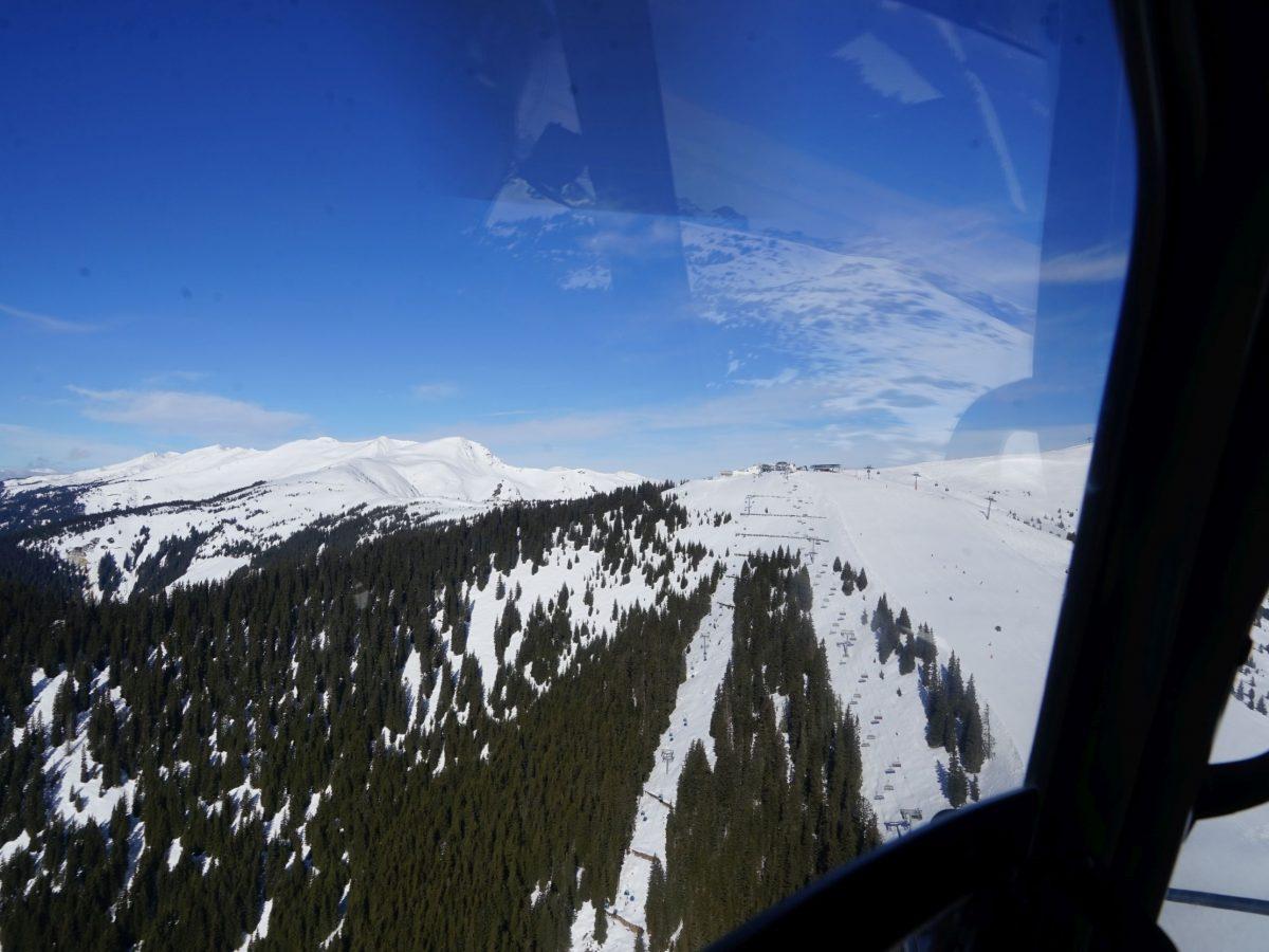 Zella am See/Salzburger Land: Heli-Transfer von Schloss Prielau ins Skigebiet. Blick auf Schmittenhöhe. Foto: Rainer Krause