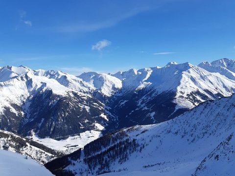Osttirol, Großglockner Resort Kals Matrei, Gondelbahn Kals, Abfahrt Richtung Kals