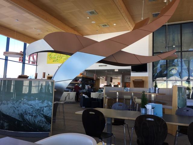 Osttirol, Großglockner Resort Kals Matrei, Restaurant Adler Lounge in der Bergstation der Gondelbahn Kals