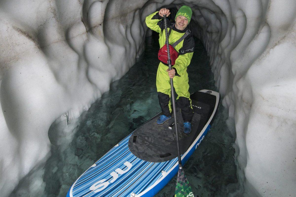 Hintertuxer Gletscher in Tirol: Stand-up-Paddeln im Gletscher, Foto Tux